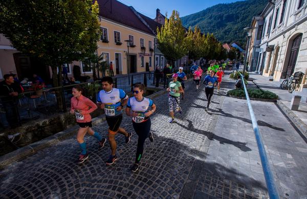 Na 6. Konjiškem maratonu teklo kar 1700 tekačev