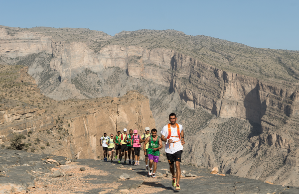 Peklenski ultra trail tek v Omanu (Oman by UTMB) uspešno premagali tudi 4-je Slovenci