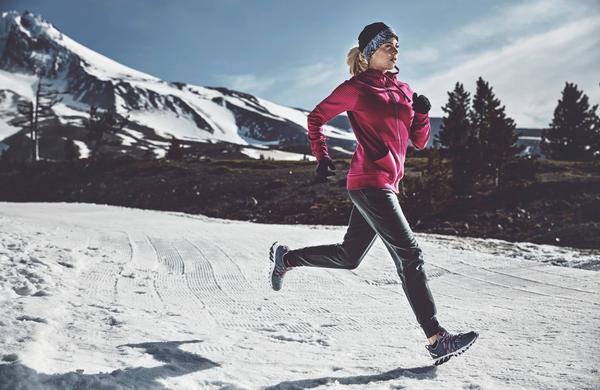 Ali pri vadbi v hladnem vremenu pokurite več kalorij?