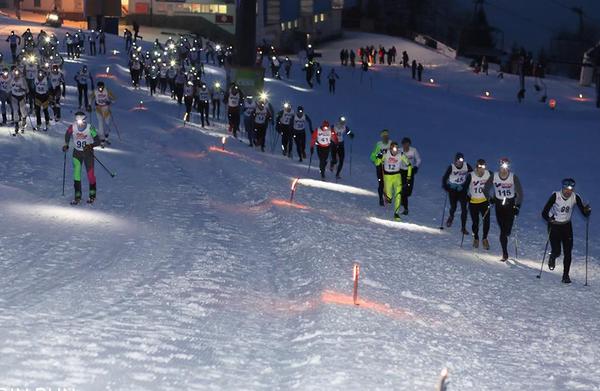 Zvoh Night Attack: Epska borba med tekači in turnimi smučarji, Timotej Bečan podrl rekord proge