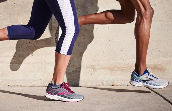Napake, ki jih tekači začetniki pogosto delajo pri nakupu tekaških copat