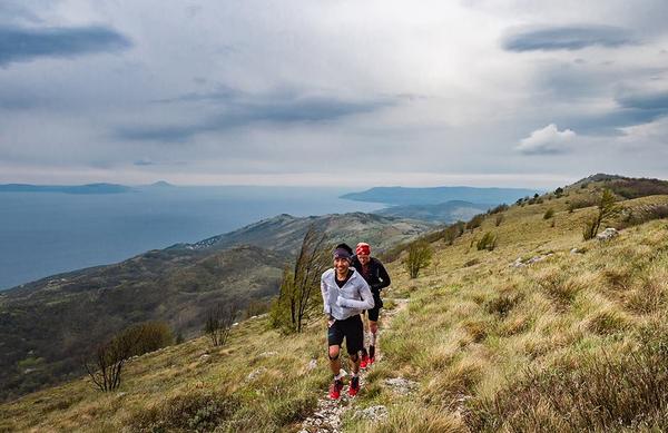 Na 100 milj Istre so tekači tekli tudi po snegu. Slovenci zelo uspešni!