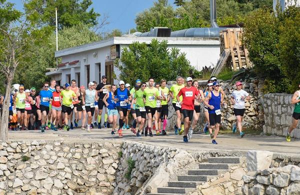 Na 4. International Half Marathonu Lun-Novalja zmagala Slovenca