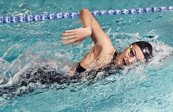 Tako plavanje krepi vaše telo