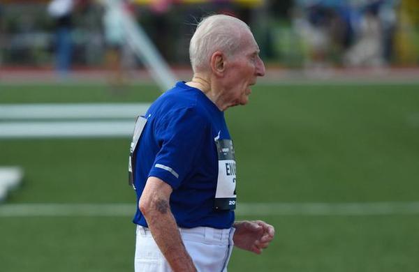 96-letnik za 8 minut izboljšal rekord na 5 kilometrov