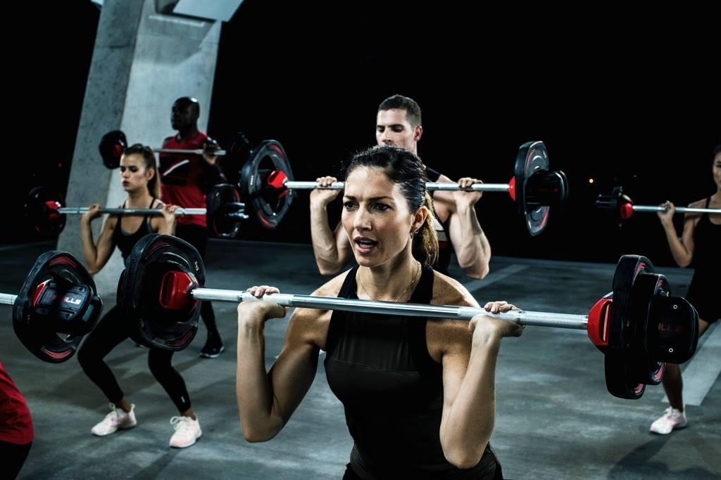 Kako vam trening za moč lahko pomaga spati še bolje