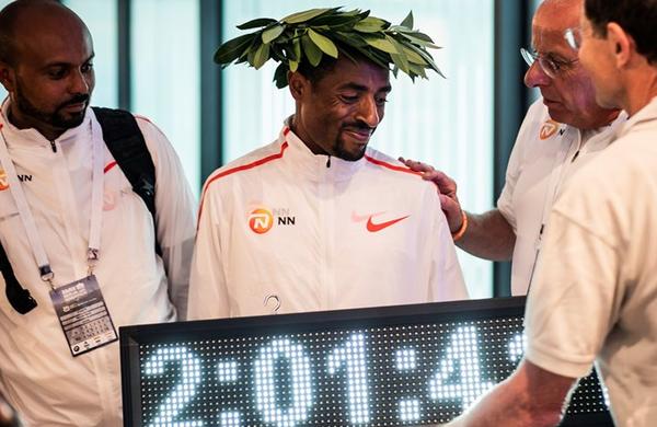 Kenenisa Bekele na Berlinskem maratonu le dve sekundi od rekorda