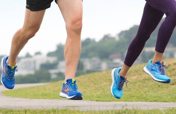 Kaj vam lahko obrabljen podplat starega tekaškega copata pove o vašem načinu teka