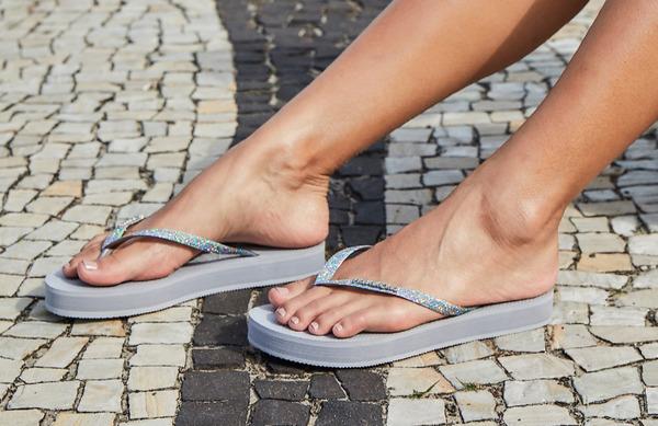 Razlogi za pojav omrtvičenosti in mravljinčenja v stopalih