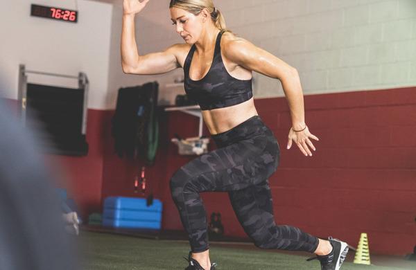 6 razteznih vaj za sproščanje in fleksibilnost zadnjih stegenskih mišic.