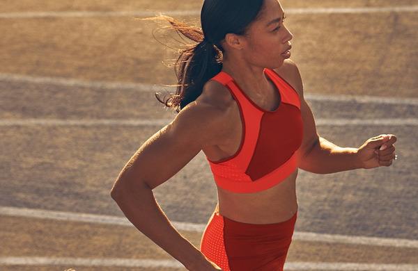 Zakaj vas med tekom bolijo ramena