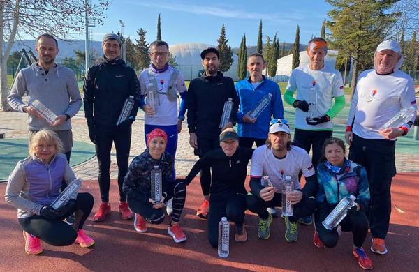 Slovenski ultramaratonci dobrodelno pretekli več kot 900 km v šestih urah
