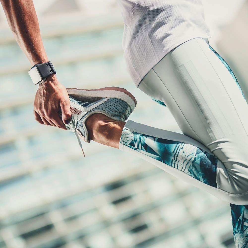 Kaj povzroča krče v nogah in kako lahko preprečite, da bi vas upočasnili?