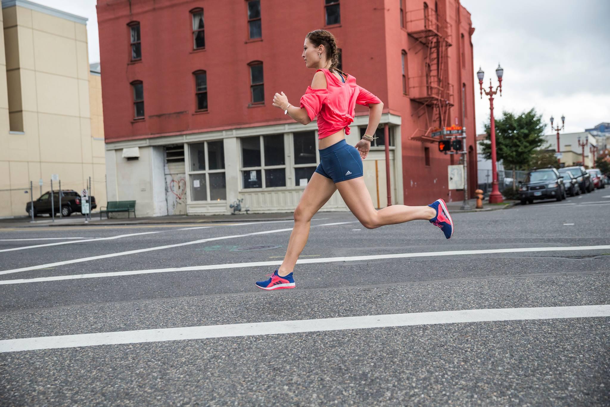 Dobre novice, tekači: Močna stegna rešujejo življenja, zlasti ženskam